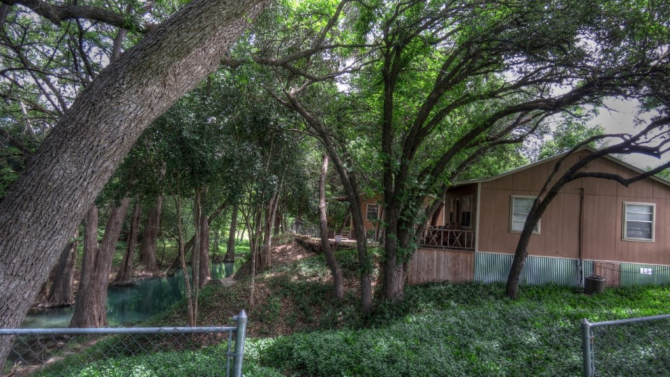Leakey Springs Cabins